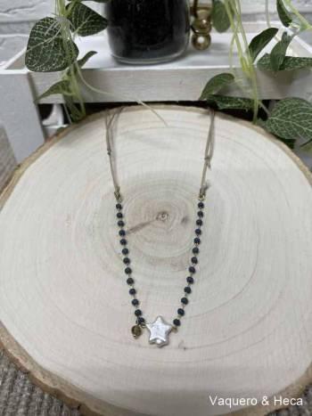 Collar-estrella-perla-con-acero-y-cordón-azul marino