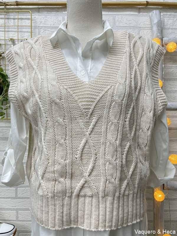 Chaleco-mujer-corto-ochos-beige