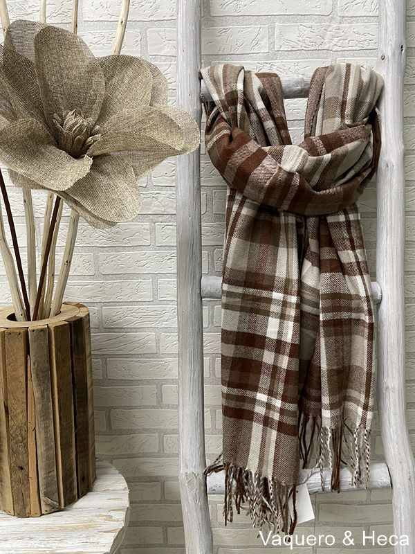 Bufanda-cuadros-marrón